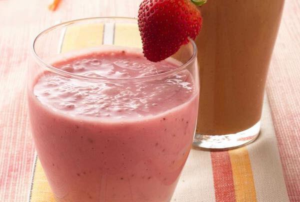 FreshStrawberrySmoothies.jpg