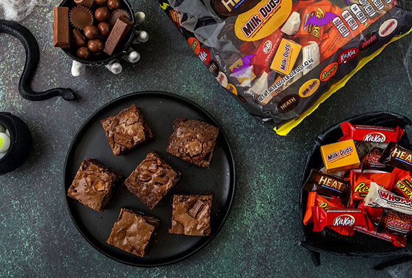 Halloween%202020%20Leftover%20Candy%20Brownies%20square%20resized.jpg