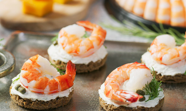 600x360-Recipe-Prawn-Bread-Rounds-1.jpg