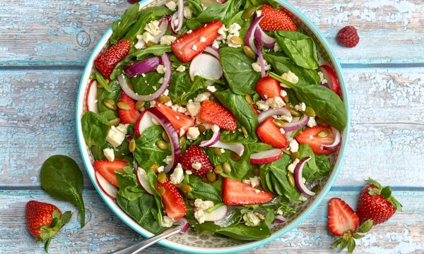 600x360-Recipe-mixed-greens-berries.jpg