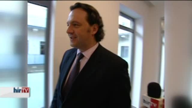 Párttársa eltávolítását kéri a Fidesz Kunhalmi Ágnestől
