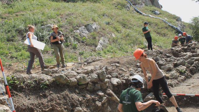 Az Árpádok ősi fészkében kutatnak régészeink