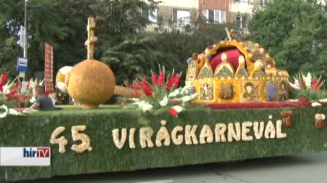 Megérkeztek a debreceni virágkocsik Nagyváradra