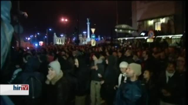Demonstráció: Vágó felszólalt, Demszky csak ott volt