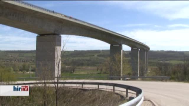 Gyakorlat: durva tömegbaleset a kőröshegyi viadukton