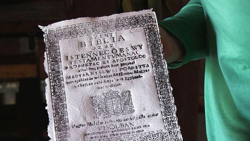 425 év után újranyomtatják a vizsolyi bibliát