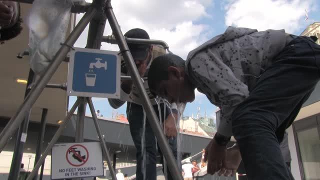 Menekülthelyzet a Keleti pályaudvarnál