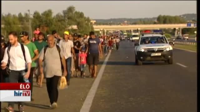 Pihentek, majd tovább is indultak a migránsok