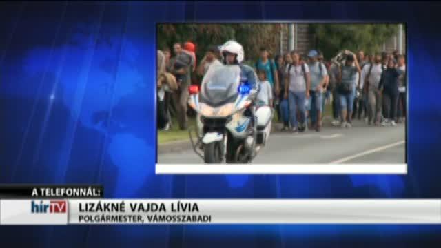 400-500 migráns távozott szombaton Vámosszabadiból Győr felé