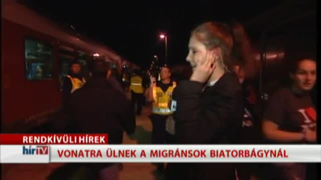 Rendkívüli: megjött a vonat Biatorbágyra, elözönlötték a menekültek
