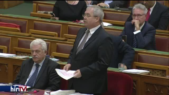 Parlamenti vita a földbérletet szabályozó jogszabályokról