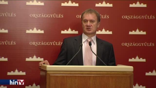 DK: Hazánk diplomáciailag elszigetelődött, Szjjártó stílusa elfogadhatatlan