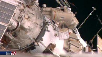 Orosz asztronauták űrsétája a nemzetközi űrállomáson