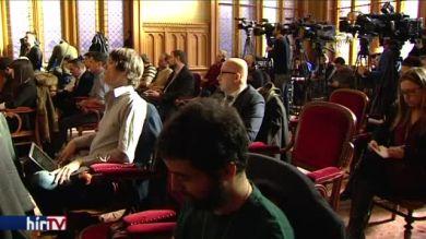 Bojkottot hirdetett a PSZ