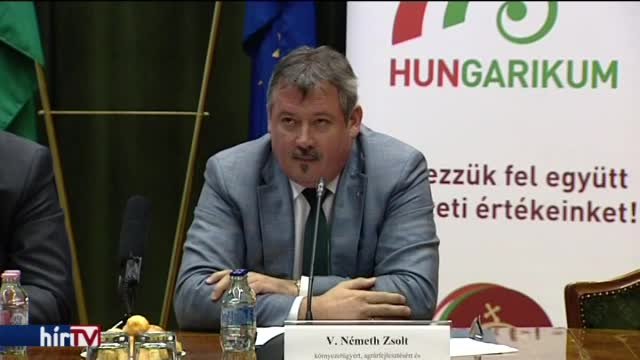 Kazah tanulmány: nem tud plágiumról az államtitkár