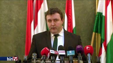 Palkovics: Okafogyottá vált a tüntetés