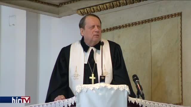 A terroristáknak és a politikusoknak is üzent a Magyarországi Evangélikus Egyház elnök-püspöke