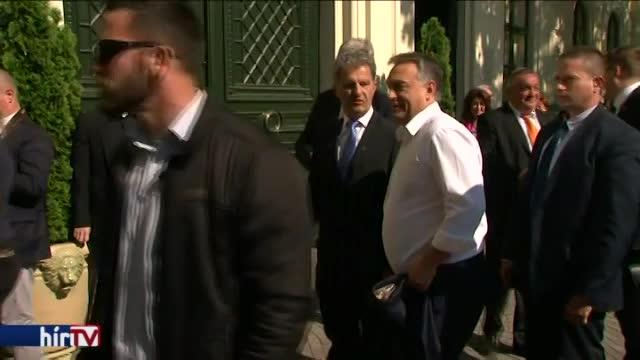 Orbán a botrányok ellenére is kiáll Matolcsy mellett