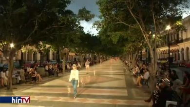 Betört a demokrácia Kubába: divatbemutató Havannában