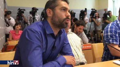 Megjelent a Fidesz sajtótájékoztatóján a Jobbikkal hírbe hozott vállalkozó