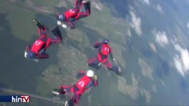 Nemzetközi katonai ejtőernyős verseny Oroszországban