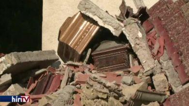 Folytatódik a romok átkutatása a földrengés sújtotta olasz városokban