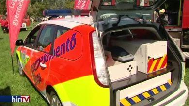 A látogatók bepillanthattak a mentők munkájába