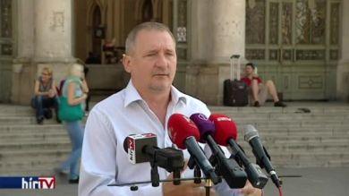 A MÁV-dolgozók fizetésének emelését sürgeti az MSZP