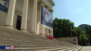 Megújítják a Múzeumkertet és a Palotanegyedet