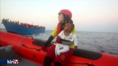 6500 migráns mentettek ki a tengerből egy nap alatt
