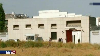 Autóba rejtett pokolgép robbant a nagykövetségnél