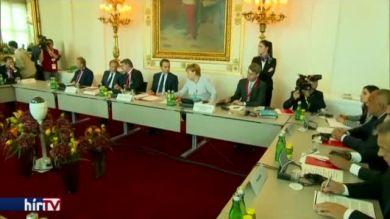 Merkel: Meg kell állítani a bevándorlást