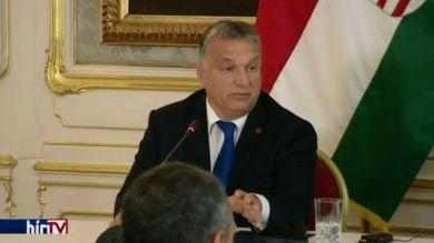Orbán: Fel kell fegyverezni a líbiai erőket