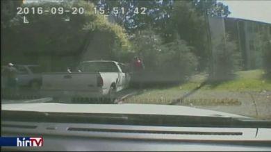 A rendőrség nyilvánosságra hozta a videót a fekete férfi lelövéséről