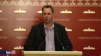 Jobbik a Vona Gábort is érintő megfigyelések kivizsgálását kezdeményezi