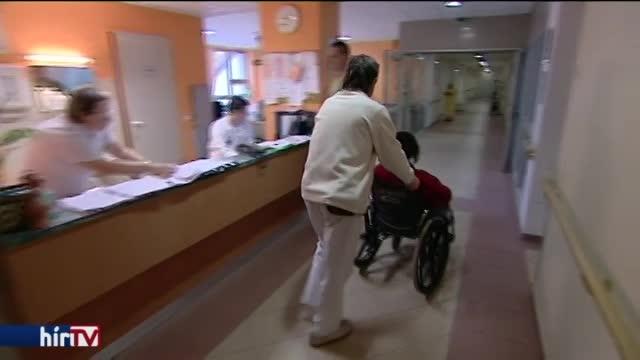 Több mint ezer dolgozójának fizeti vissza az elmaradást az egri kórház