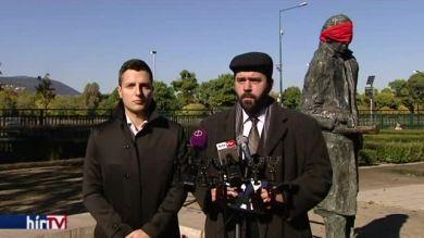 Jobbik: köztereken kísért a kommunista múlt