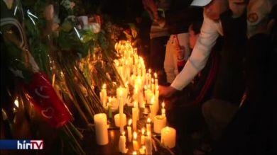 A repülőbalesetben elhunyt brazil labdarúgókra emlékeztek