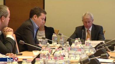 Vita a mezőgazdasági bizottságban a földforgalmi törvényről