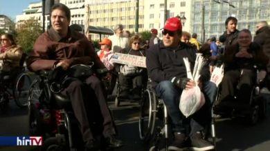 Fogyatékkal élők tüntetése Athénban