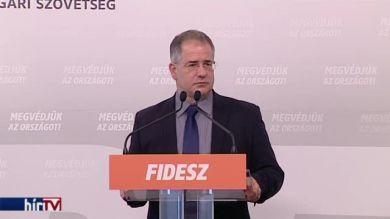 Kósa Lajos a Fidesz frakcióvezetője, a polgármesterek bérrendezéséről