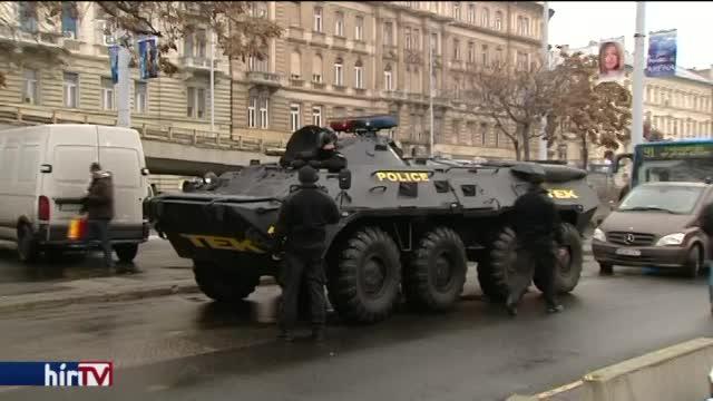 Megerősített rendőri védelmet kaptak a templomok