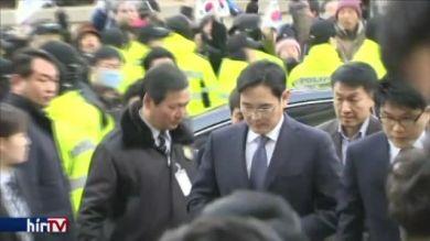 Lefejezné a Samsungot a dél-koreai ügyészség