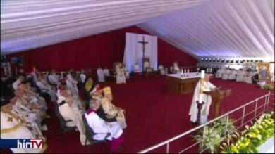 Keresztény-muszlim megbékélésért misézett a pápa
