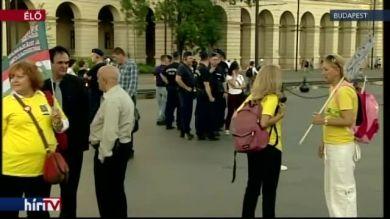 Véget ért a civiltörvény elleni tiltakozás – bejelentkezés 19 órakor