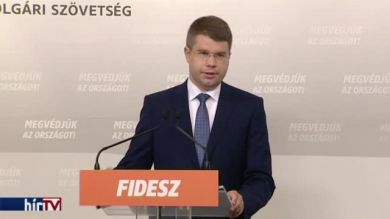 Fidesz: A plakáttörvény a korrupció elleni harcot szolgálja