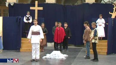 Általános iskolások adják elő az István, a király című rockoperát Kispesten