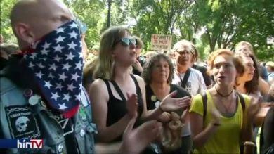 Szélsőjobboldal elleni tüntetés Bostonban