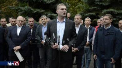 Az önkormányzatiság visszaállítását ígéri az MSZP miniszterelnök-jelöltje