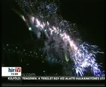 Pazar tűzijátékkal köszöntötték az új évet